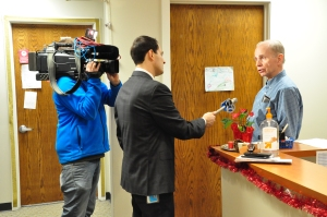 Schaumburg retiree Ken Voight does an exclusive interview with ABC 7 Consumer Investigative Reporter Jason Knowles.